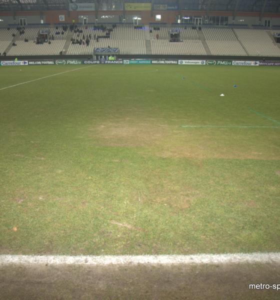 Déjà un changement de pelouse au Stade des Alpes