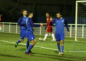 GF38 B : le groupe contre Rhône Vallées