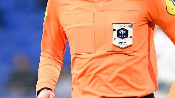 AC Ajaccio – Grenoble Foot 38 : M. Perreau Niel au sifflet